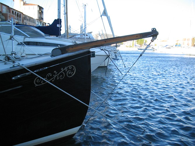 Flicka Caraway with old bowsprit stripped down