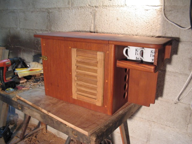 Flicka companionway box with opening louvred door