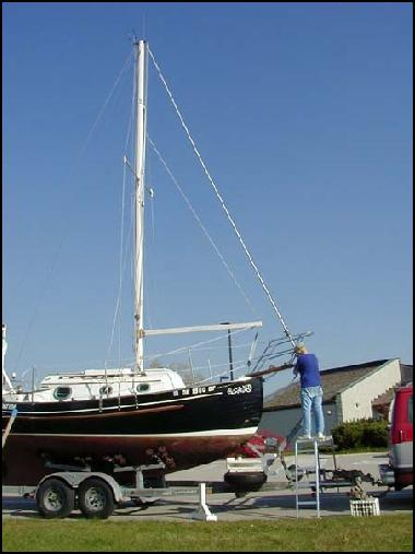 Lowering a Flicka Mast - Mike Nelson