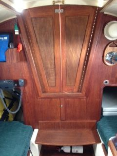 flicka escape interior companionway.JPG