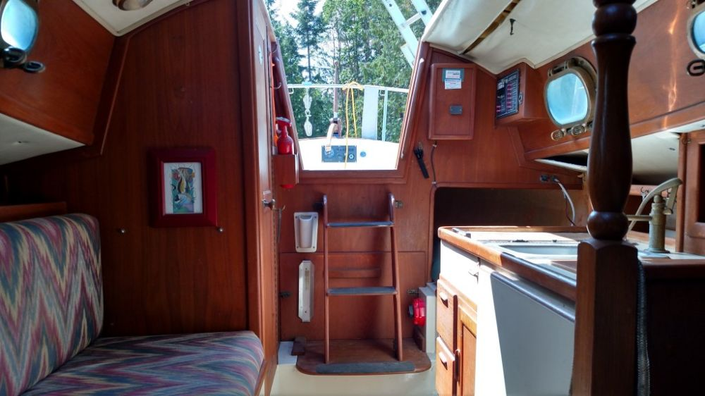 flicka willow interior aft